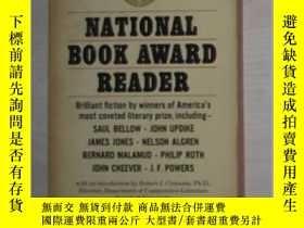 二手書博民逛書店英文原版書罕見National Book Award Reade