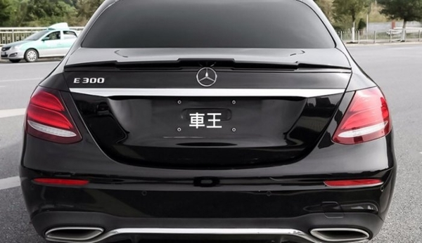【車王汽車精品百貨】賓士 Mercedes-Benz W213 E-CLASS 尾翼 素材