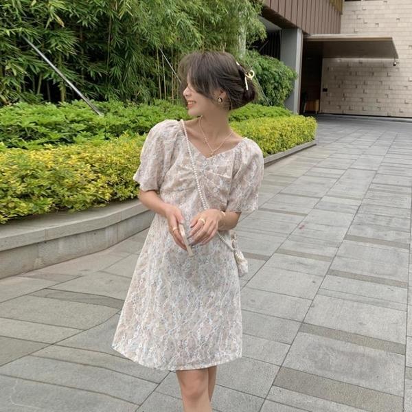小洋裝 連身裙好質量法式碎花女連身裙V領短袖甜美小眾設計感小個子裙FFA027韓衣裳