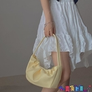腋下包 側背包小眾設計嫩黃色褶皺包柔軟腋下包包女2021春夏新款個性單肩手提包 上新