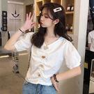DE SHOP~清新V領設計感洋氣短款泡泡袖上衣短袖襯衫(XA-5399)