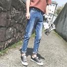 找到自己品牌 時尚潮流 男 小口袋 尾袋鐵環裝飾 牛仔褲 九分褲 直筒褲