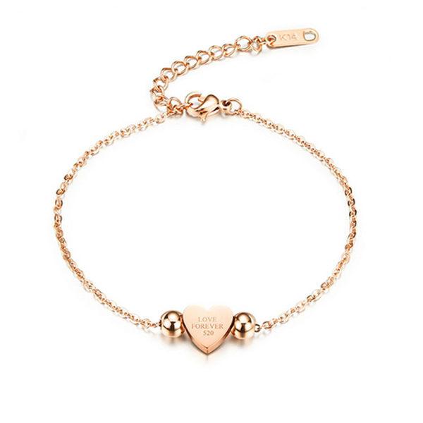 【5折超值價】  最新款時尚精美字母愛心造型女款鈦鋼手鍊