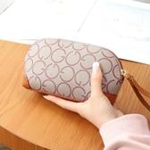 貝殼包中年女士貝殼包媽媽買菜手拿包大容量手腕包老年人零錢手機小包包 時尚新品