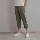 【GIORDANO】 女裝純棉後鬆緊休閒九分褲- 54 深苔藓綠