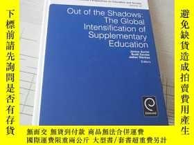 二手書博民逛書店Out罕見of the Shadows: The Global IntensificationY16761 請