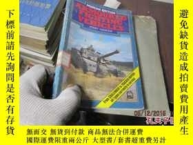 二手書博民逛書店armoured罕見fighting vehicles 4999
