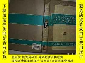 二手書博民逛書店INTERNATIONAL罕見ECONOMICS JAMES C