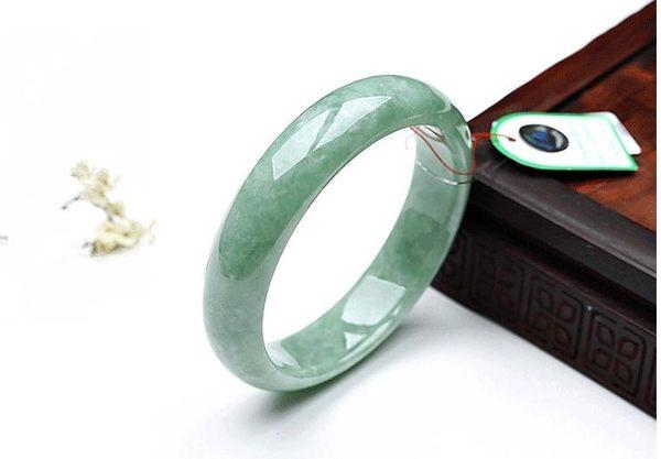 天然玉石淺綠翠綠飄花玉手鐲 女款翡翠色玉鐲子玉手環玉器 美芭