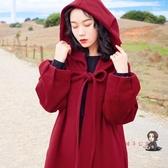 斗篷 法式復古本命年紅色外套女秋冬夾棉加厚連帽過年披風斗篷大衣T 2色