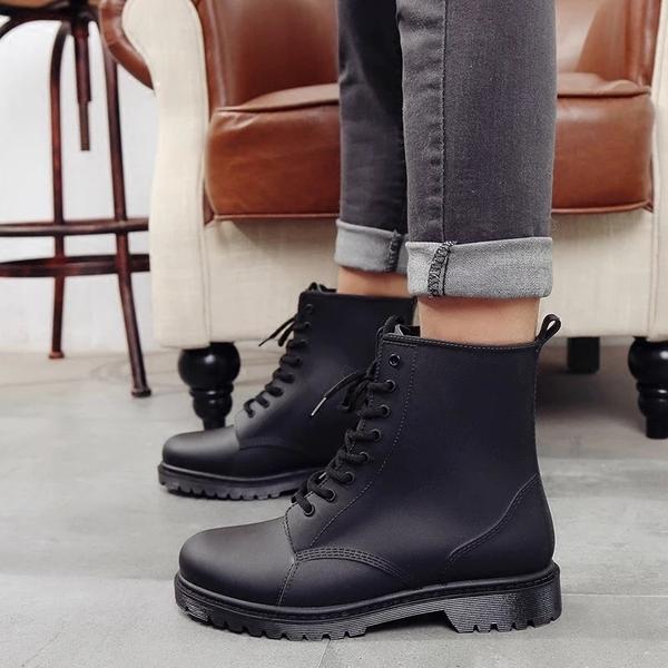 [Here Shoes]男鞋-加大尺碼全防水消光黑霧面雨靴 雨天熱銷款 軍靴 機車靴 馬丁靴  ─AR809