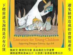 二手書博民逛書店Literature罕見For Young Children: