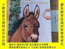 二手書博民逛書店Donkey罕見on the DoorstepY246207