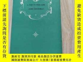 二手書博民逛書店A罕見NIP IN THE AIRY9669 看圖 看圖 出版1974