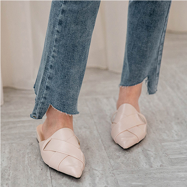 MIUSTAR 褲管ㄑ型割破小喇叭牛仔褲(共1色,S-XL)【NH0053】預購