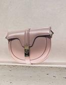 ■專櫃73折■Celine 全新真品 緞面小牛皮小型 Besace 16 馬鞍斜背包 復古粉紅色