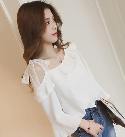 EASON SHOP(GU6151)斜邊荷葉邊蕾絲綁帶繫帶露肩七分袖雪紡衫喇叭袖女上衣服素色白色春夏裝韓版寬鬆