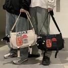 【免運】工裝背包 防水斜背包 大容量側背包 印花單肩包 街頭潮流 日系機能包