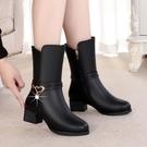 短靴 加絨保暖軟底粗跟靴子女2021秋冬季韓版短靴防滑中筒靴媽媽鞋 艾維朵