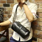 小P男包 胸包斜挎包IPAD單肩包復古PU韓大容量圓筒包腰包多功能-享家生活館