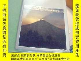 二手書博民逛書店日文原版書罕見山 Life Nature Library 有盒套