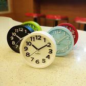 鬧鐘靜音創意學生時尚個性兒童床頭鐘表夜光數字小座鐘現代簡約 易貨居