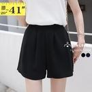 短褲裙--舒適百搭寬版鬆緊褲頭斜插口袋寬鬆棉質短褲(黑.藍L-3L)-R239眼圈熊中大尺碼◎