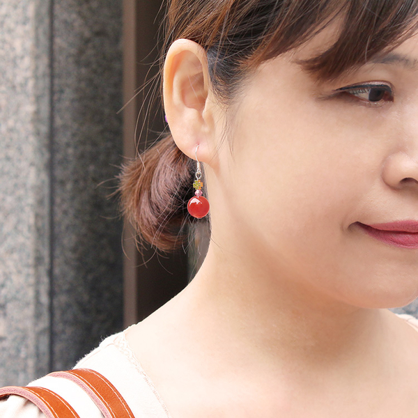 紅瑪瑙耳環-設計師經典系列-轉運圓珠 石頭記