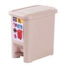 輕踏掀蓋垃圾桶-8L(顏色隨機出貨)...