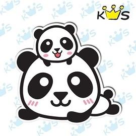 【收藏天地】防水防曬*安全帽 汽機車 萬用貼-親子熊貓(小)