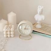 ins風小鬧鐘簡約復古北歐風學生用桌面床頭小型靜音夜燈合金時鐘