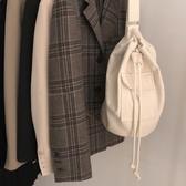 2019韓國新款學生背包ins時尚翻蓋口袋抽繩帆布包單肩斜跨書包包 【快速出貨】
