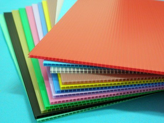 A5塑膠瓦愣板 PP瓦愣板 廣告板 厚度3mm(混色)200mm x 155mm/一小包10張入{定35}
