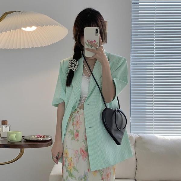 綠色短袖西裝外套女潮夏季2021新款網紅小個子氣質休閑小西服上衣