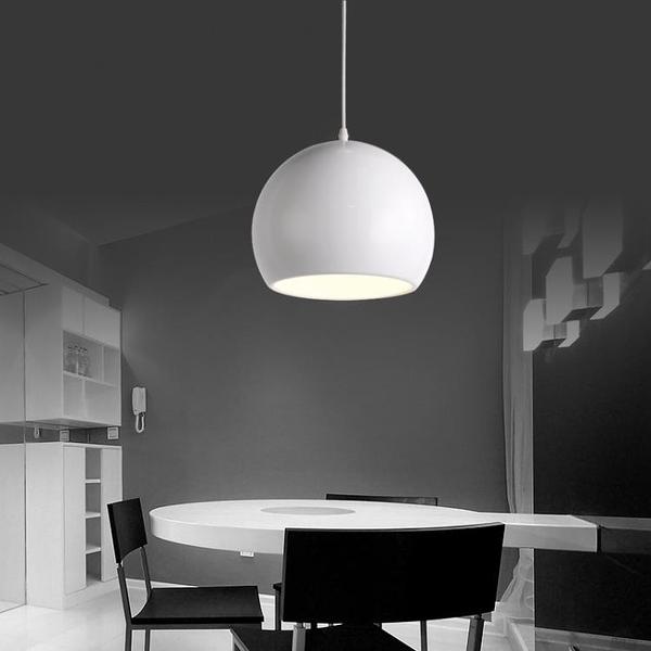 現代簡約餐廳吧臺創意藝術小吊燈書房LED鋁材客廳燈具北歐黑白色