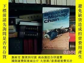 二手書博民逛書店Breaking罕見the Mishap Chain19072