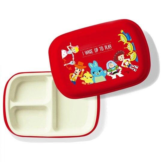 小禮堂 迪士尼 玩具總動員 日製 塑膠餐盤 附蓋 方形 三格 便當盒 餐盒 菜盤 (紅 圍繞) 4981181-60366