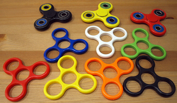 【可樂農莊桌上遊戲】指尖陀螺 (手指陀螺) Fidget Toy Finger Spinner