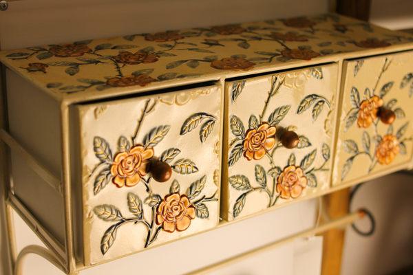 花朵圖案吊掛收納盒