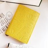 《花花創意会社》外流。音符壓紋紀念版黃色護照夾【H5980】