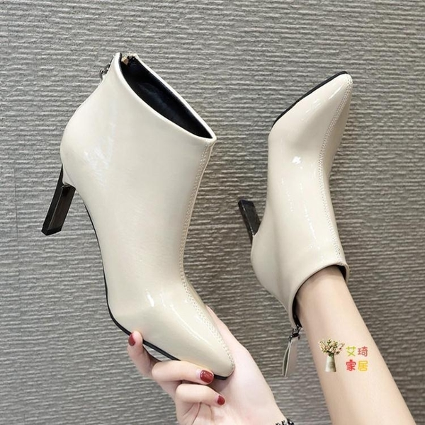 尖頭短靴 尖頭漆皮短靴女新款粗跟網紅靴子女冬款高跟亮皮馬丁靴女短筒