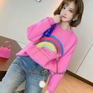 針織毛衣 彩虹印花氣質圓領落肩袖拼接寬鬆針織毛衣 依多多