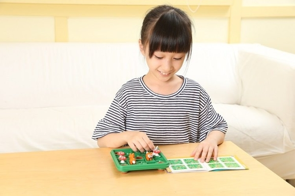 【SMART GAMES】跳跳小兔 JUMP IN 桌上遊戲