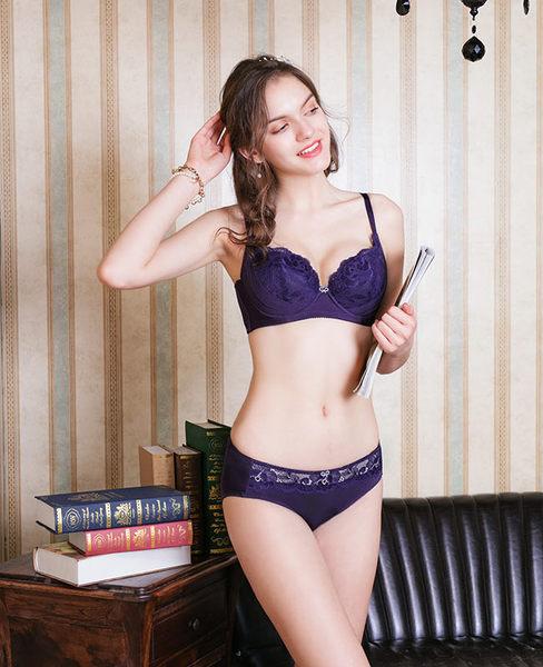 EASY SHOP-歐漾花翩  大罩杯C-F罩內衣(寶石紫)