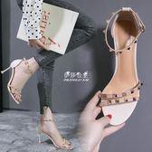 小清新少女柳釘涼鞋女夏新款百搭一字扣露趾高跟鞋細跟中跟鞋『伊莎公主』