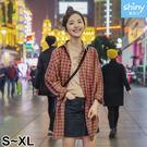 【V2597】shiny藍格子-率性氣質.寬鬆休閒格紋長袖襯衫