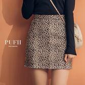 (現貨-M~L)PUFII-褲裙 復古豹紋印花麂皮短褲裙 2色-0920 現+預 秋【CP15185】