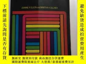 二手書博民逛書店LEARNING罕見TO TEACH READING IN TH