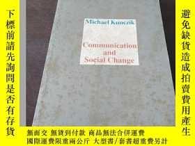二手書博民逛書店Communication罕見and social change