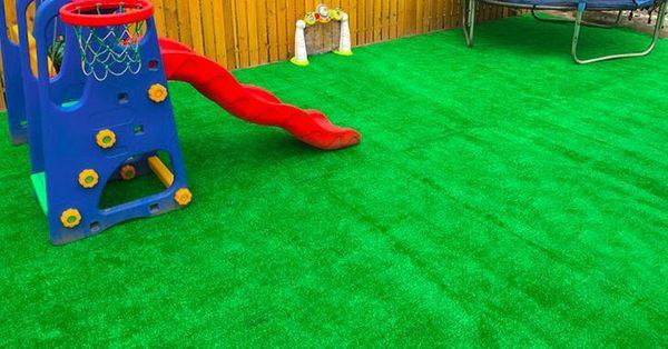 人造草坪仿真草坪塑料假綠植幼兒園人工草皮戶外裝飾綠色地毯墊子  IGO